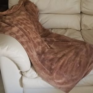Caramel Velour Throw/Blanket
